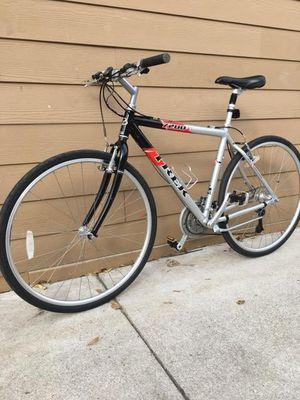 Bisicleta de aluminium trek sz 28 for Sale in Dallas, TX