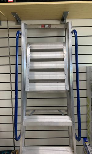 Louisville 4 foot. Aluminum ladder for Sale in Severn, MD