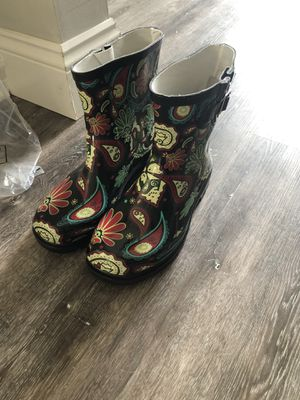 Brand new size 7 paisley rain boots for Sale in Jacksonville, FL