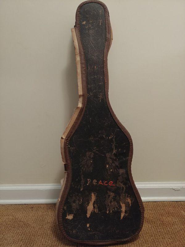 guitar missing 1 string beat up case for sale in greer sc offerup. Black Bedroom Furniture Sets. Home Design Ideas