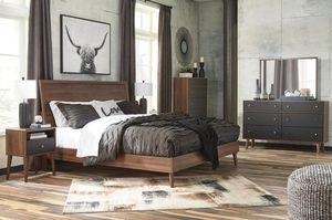 [SPECIAL] Daneston Brownnnn/Graphite Platform Bedroom Set for Sale in Falls Church, VA