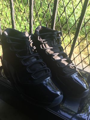 Cap and Gown / prom night air Jordan 11's for Sale in Washington, DC