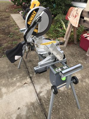 "DEWALT 12"" compound miter saw for Sale in Lake Wales, FL"
