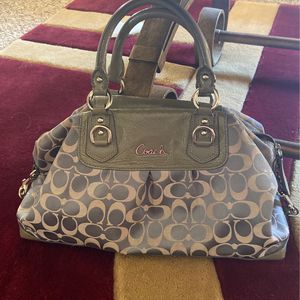 Authentic coach bag for Sale in New Port Richey, FL