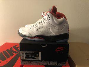 Jordan Retro 5 Fire Red for Sale in Chicago, IL