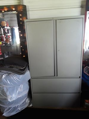 Shelf/cabinet for Sale in AMELIA CT HSE, VA