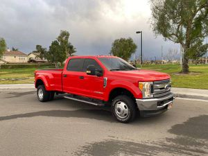 2017 f350 ford Super duty 32k Miles 4x4 for Sale in Eastvale, CA