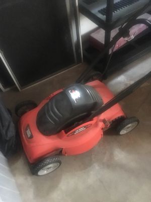 Black and Decker Electric Lawn Mower for Sale in Seattle, WA