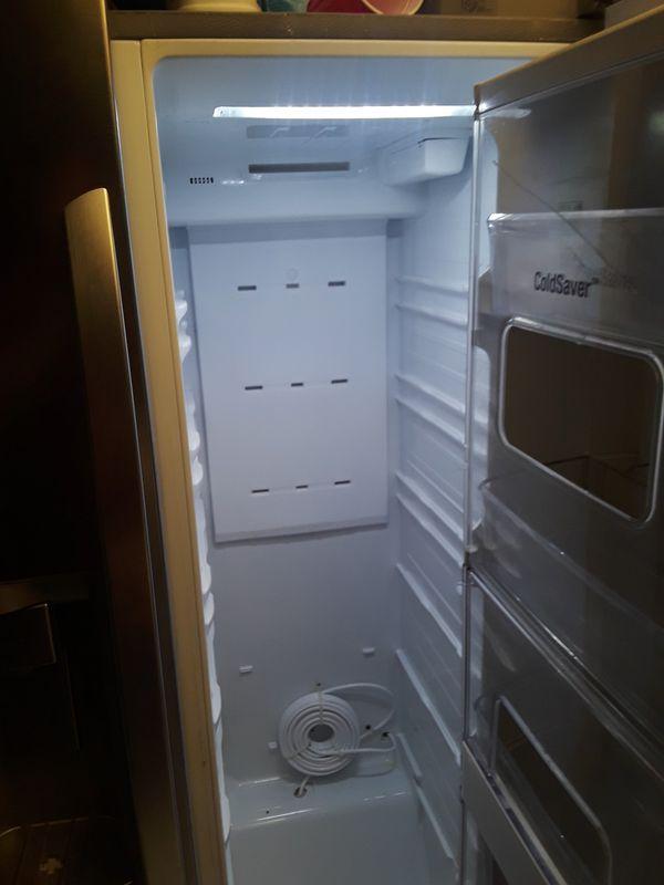 Lg refrigerator.