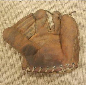 Vintage Wilson Baseball Glove 1950s for Sale in Marysville, WA