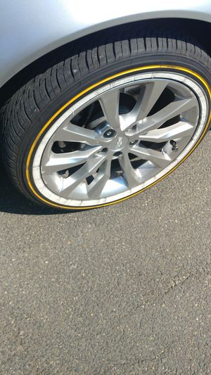 19 inch Cadillac rims with vogues for Sale in Washington, DC