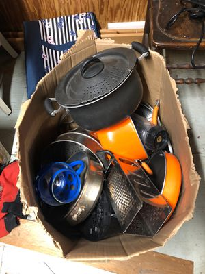 Pots,pans,blender for Sale in Columbia, PA