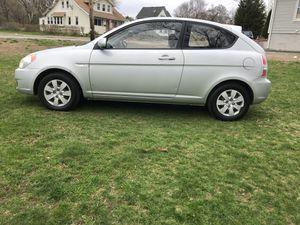 2010 Hyundai Accent stick shift for Sale in Randolph, MA