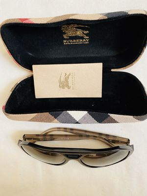 BURBERRY sunglasses for Sale in Los Angeles, CA