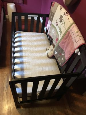 Baby's crib for Sale in Silver Spring, MD