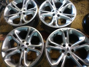 20 inch Ford explorer rims 5 lugs oem fits toyota for Sale in Los Angeles, CA