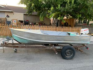 16 foot aluminum fishing boat said Johnson seahorse 35 engine on it for Sale in Las Vegas, NV