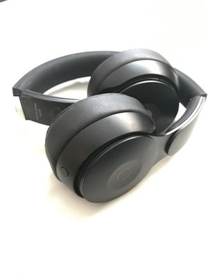 Apple Beats Solo Pro Headphones for Sale in Prince George, VA