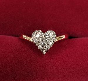 18k Yellow Gold Diamond Heart Cluster Ring for Sale in Hemet, CA
