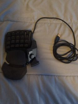 Razer Orbweaver Chroma Mechanical Switch Gaming Keypad for Sale in Flagstaff,  AZ
