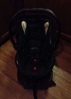 Britax safecell impact protection car seat for Sale in Greensboro, NC