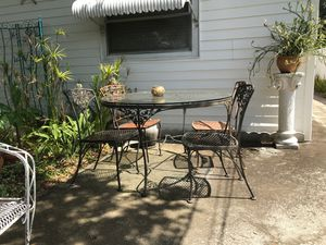 Iron patio furniture for Sale in Saint Petersburg, FL