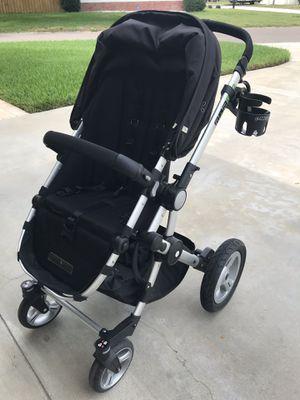 Guzzie + Guss 042 stroller for Sale in Seminole, FL
