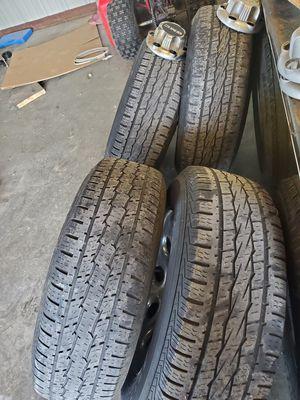 Rims and tires chevy o gmc 6 lugs for Sale in Ferris, TX