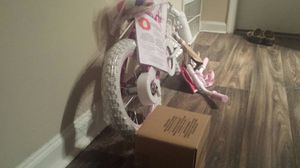 Huffy Glimmer Girls Bike 14in w/ Streamers, Training Wheels and Handlebar Basket for Sale in Decatur, GA