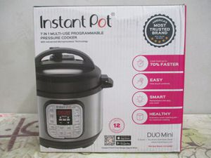 Instant Pot DUO60 6 Qt 7-in-1 Multi-Use Programmable Pressure Cooker for Sale in Syracuse, UT