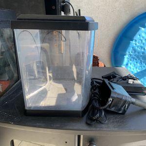 Little Fish Tank for Sale in Garden Grove, CA