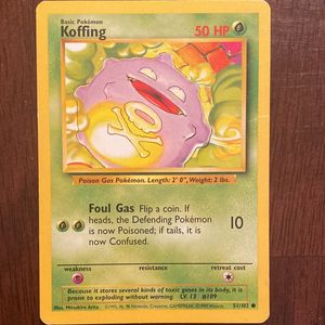 Rare Genuine Original 1995 Base Set Koffing Pokémon Card In Near-Mint Condition for Sale in Rochester, NY