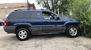 2000 Grand Cherokee Jeep Laredo for Sale in Chicago, IL