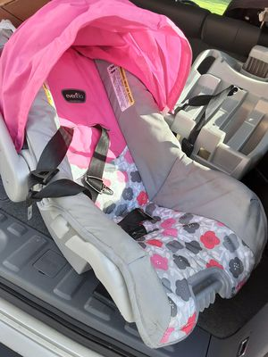 Infant car seat for Sale in Frederick, MD