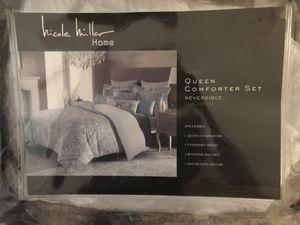 Nicole Miller Home Queen comforter set- Reversible for Sale in Pinetop-Lakeside, AZ
