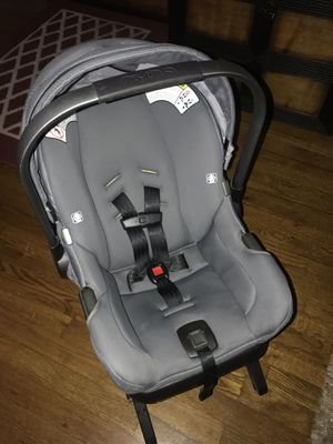Nina gray car seat for Sale in Whittier, CA