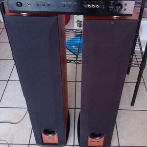 Audio System With Subwoofer. Polk Tower's R50 for Sale in Chandler, AZ