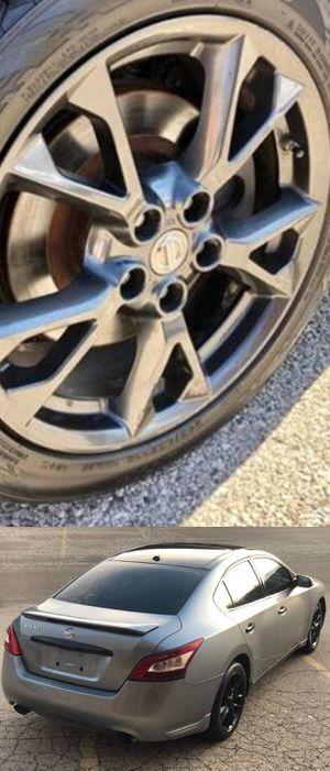$1200 Nissan Maxima for Sale in Hartselle, AL