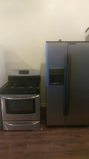 Kenmore stainless steel refrigerator 2-door and stainless steel Kenmore stove for Sale in Chicago, IL