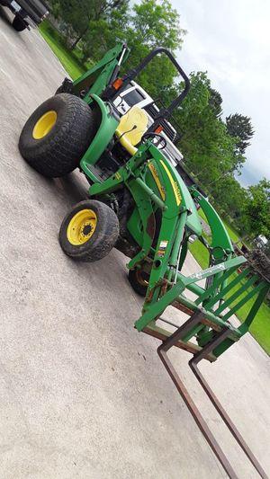 John Deere 4120 tractor for Sale in Houston, TX