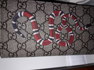 Gucci Ladies Wallet for Sale in Miami, FL