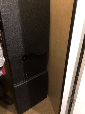 2 12 subwoofer ported box for Sale in Mansfield, TX