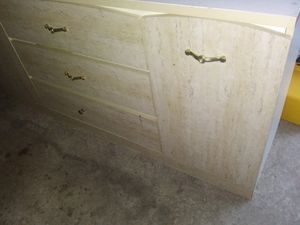 Dresser with miror and drawer for Sale in Chicago, IL