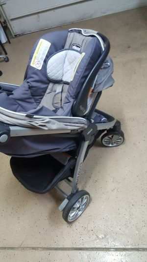 Like new light weight chicco stroller with car seat for Sale in Columbus, OH