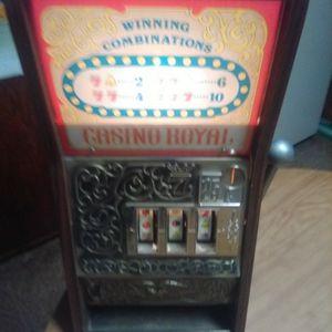 Vintagevslot Machine for Sale in Marietta, GA