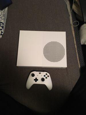 Xbox one S- 1TB for Sale in Grand Prairie, TX