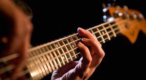 Si usted desea aprender algún instrumento musical, yo le puedo ayudar, puede aprender piano, guitarra o bajo eléctrico, música cristiana for Sale in Manassas, VA