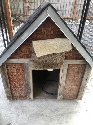 Dog house for Sale in Tacoma, WA