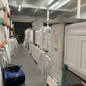 Overstock Cabinets—-Everything must Go!! for Sale in North Tustin, CA