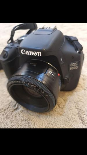 Camera canon D600 for Sale in Armonk, NY